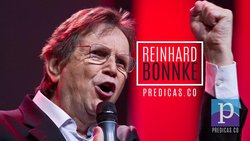Reinhard Bonnke predicando el sermon