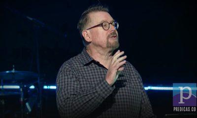 Chris Richards predica el tema de los peligros de la postergacióm