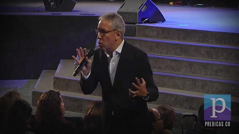 Marcos Barrientos predica sobre el llamado de Pablo